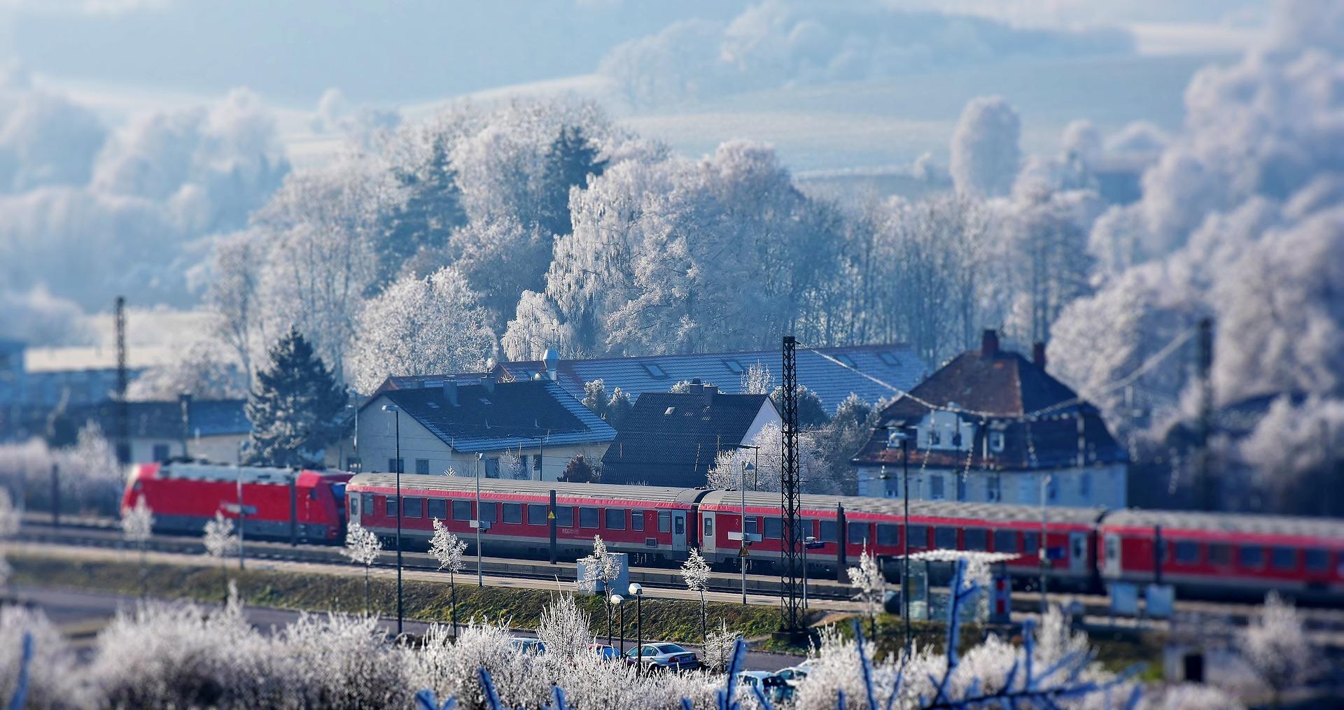train-2947086_1920.jpg